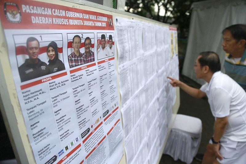 http://www.thestandard.com.hk/breaking-news/section/4/84890/(Jakarta-vote)-Civil-servant-insists-non-Muslims-must-not-lead-Muslims