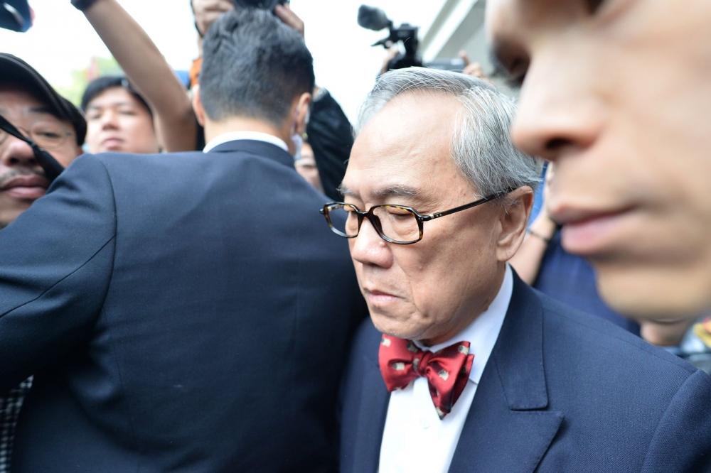 http://www.thestandard.com.hk/breaking-news/section/3/99186/(Donald-Tsang-trial)-Prosecutors-will-not-seek-retrial