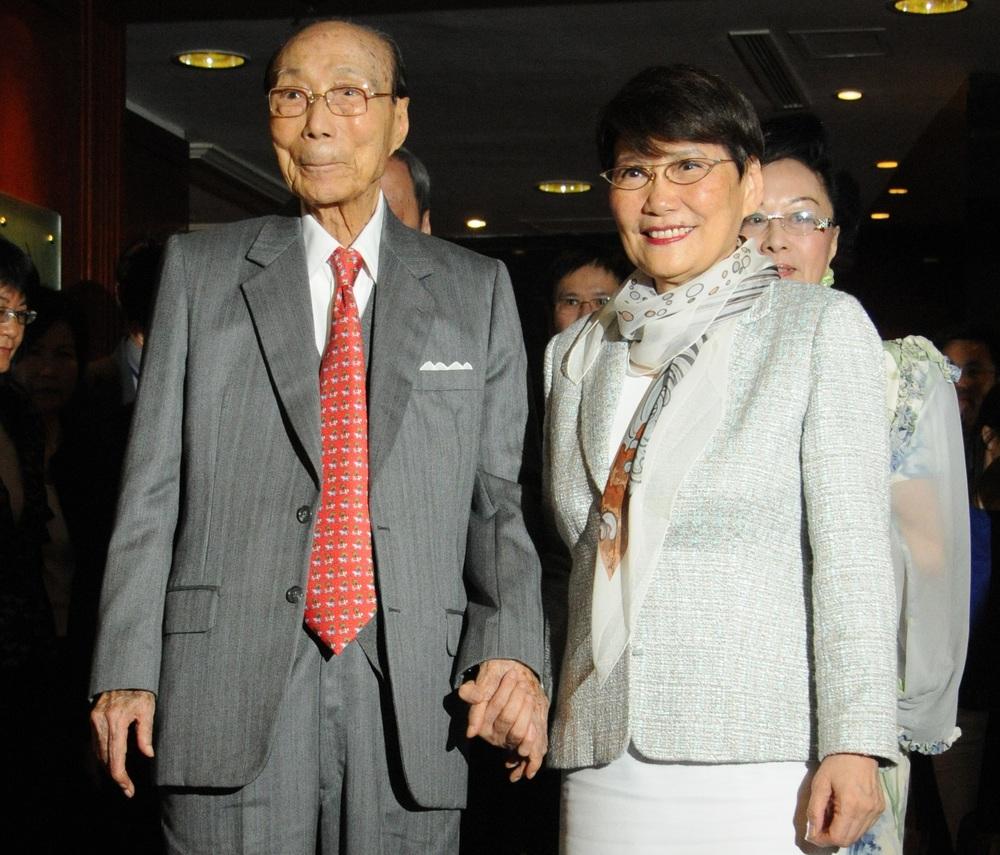Mona Fong, widow of Run Run Shaw, dies at 83