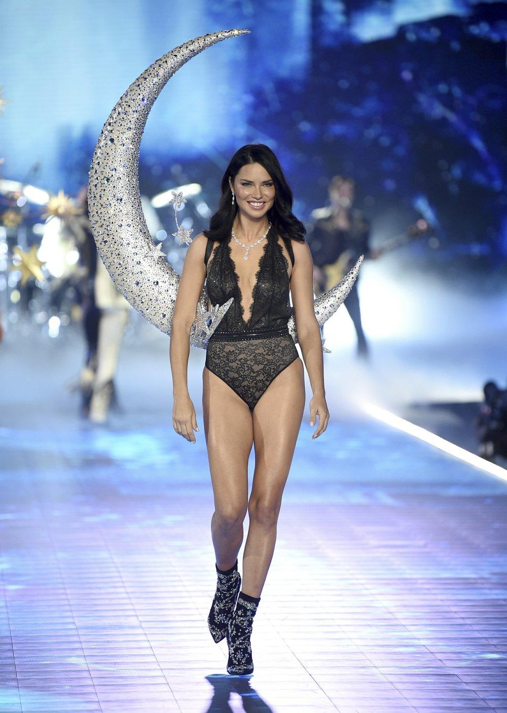 d7ffda3c633 Victoria s Secret angel Adriana Lima takes a final bow - The Standard