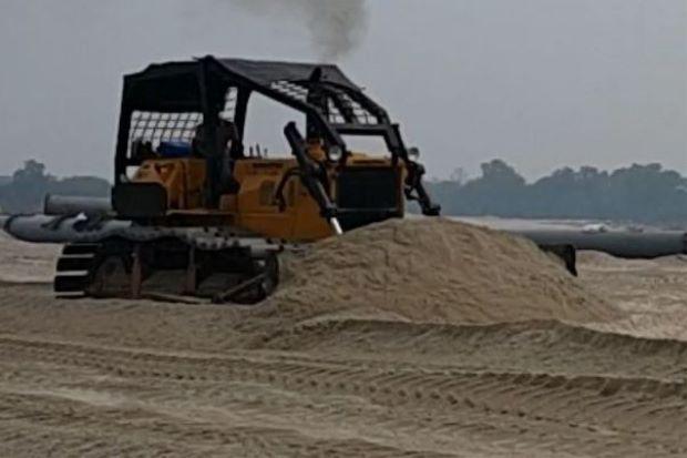 Malaysia shuts down sand exports to Singapore