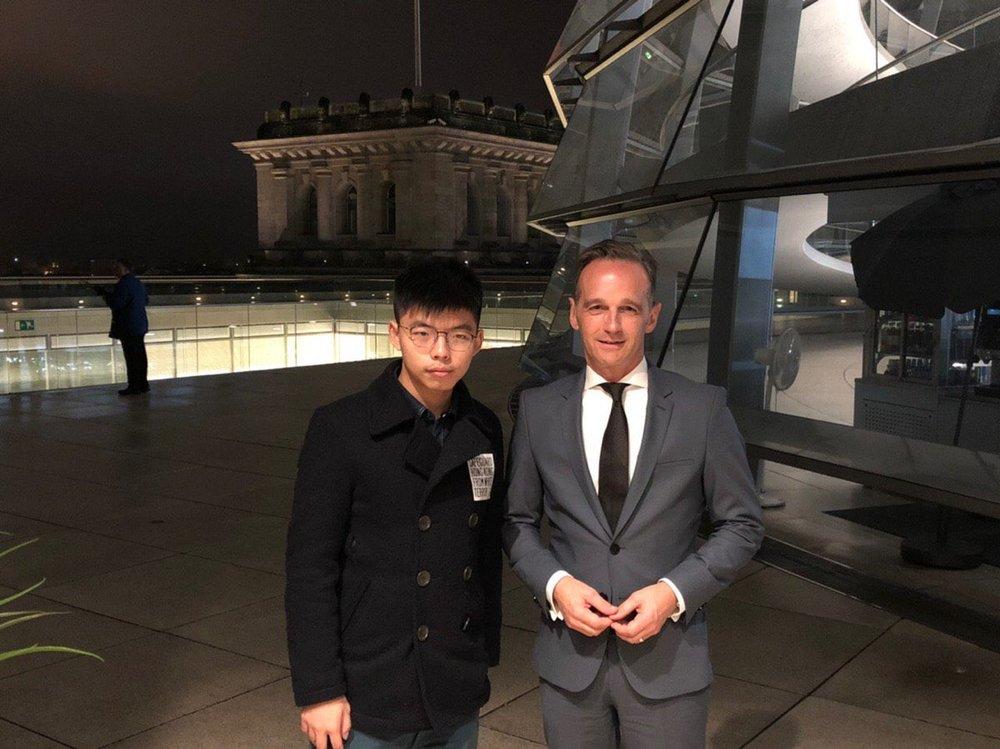 http://www.thestandard.com.hk/breaking-news/section/3/134387/Beijing-goes-ballistic-over-German-Foreign-Minister-Heiko-Maas-hosting-Joshua-Wong