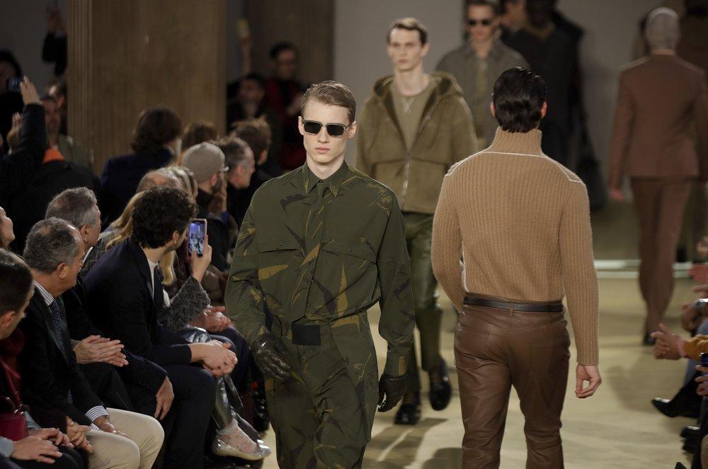 http://www.thestandard.com.hk/breaking-news/section/4/139988/(Milan-Fashion-Week--Salvatore-Ferragamo)-Breaking-down-archetypal-references