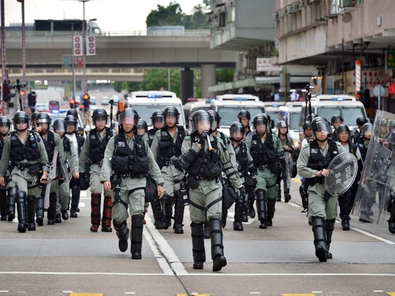 http://www.thestandard.com.hk/breaking-news/section/4/142773/Cops-heading-back-to-beat-patrols-from-street-battles
