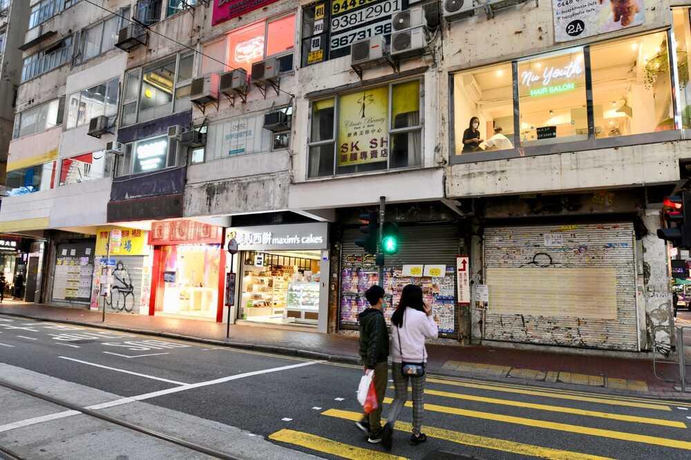 http://www.thestandard.com.hk/breaking-news/section/4/144754/Rotten-run-for-retailers