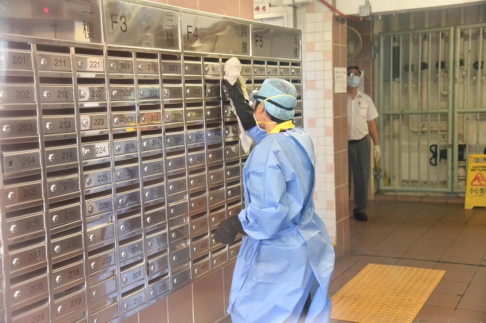 http://www.thestandard.com.hk/breaking-news/section/4/148426/Crews-continue-disinfecting-Lek-Yuen-Estate