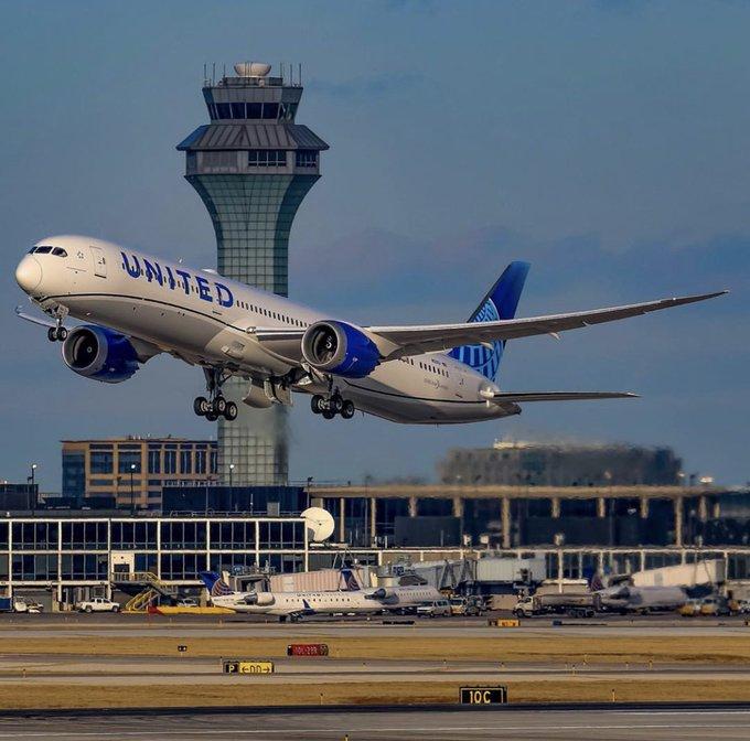 http://www.thestandard.com.hk/breaking-news/section/4/150579/United-Airlines-suspends-HK-flights-for-longer