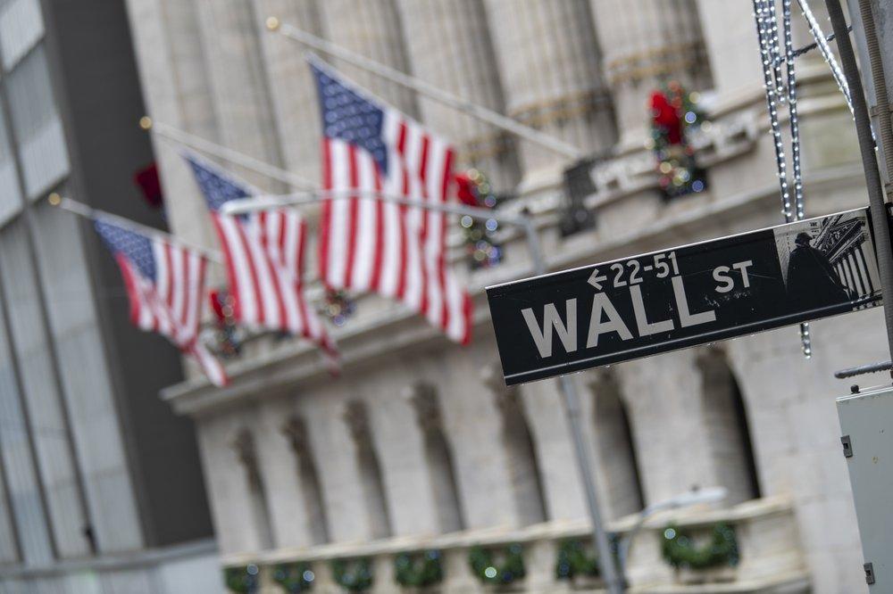 US stocks extend losses