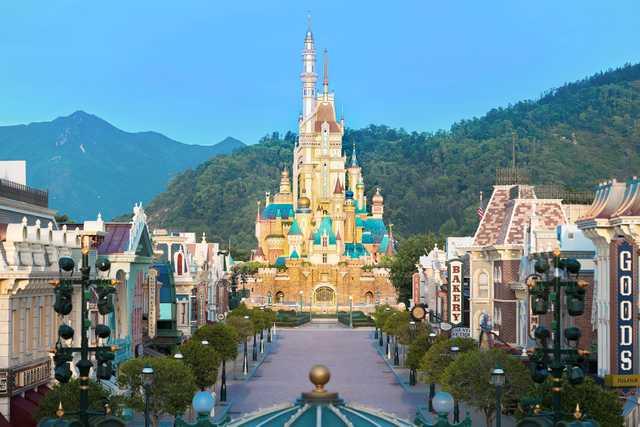 Hong Kong Disneyland Resort markedits15th birthday on September 12.
