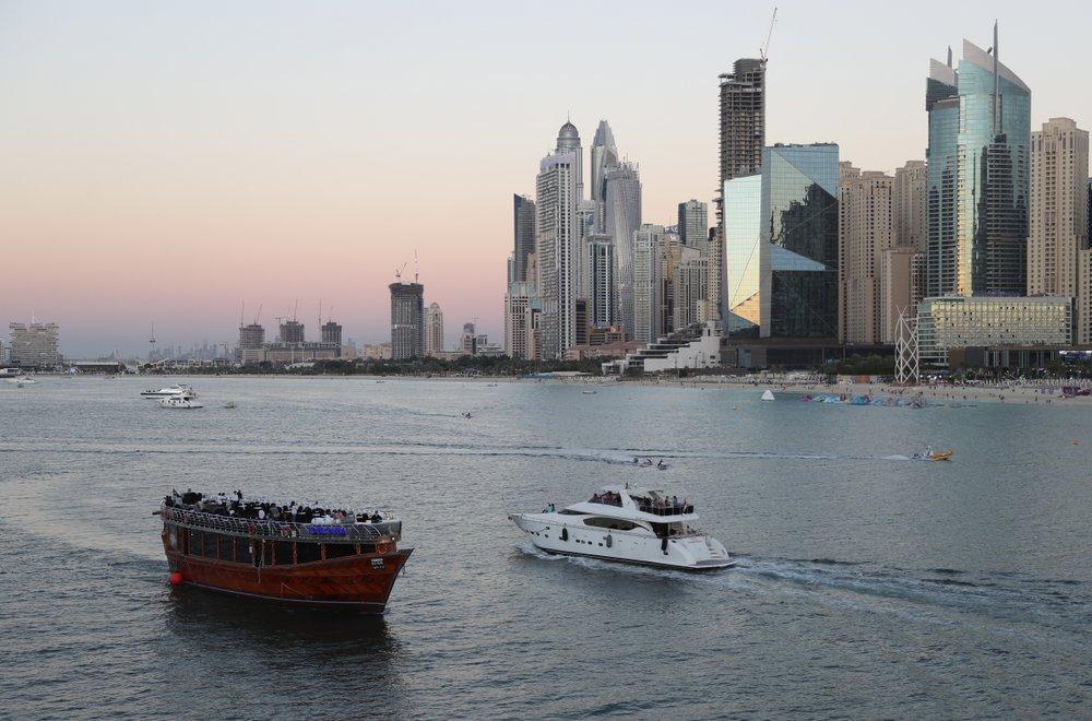 http://www.thestandard.com.hk/breaking-news/section/6/163699/Coronavirus-reality-bites-in-party-haven-Dubai