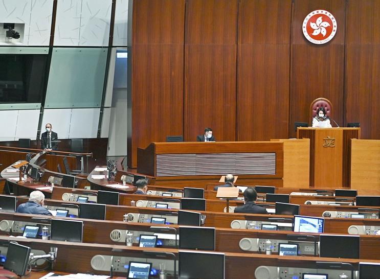 https://www.thestandard.com.hk/breaking-news/section/4/165845/Lawmakers-to-get-coronavirus-jabs-next-Monday