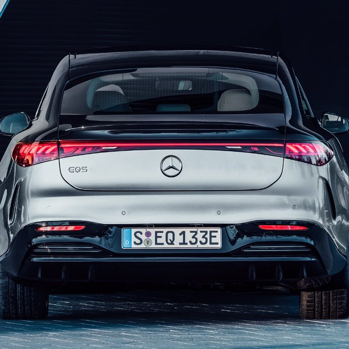 https://www.thestandard.com.hk/breaking-news/section/2/170489/Daimler-quarterly-earnings-rebound-to-4.4b-euros,--sells%C2%A0538,869-Mercedes-Benz-cars
