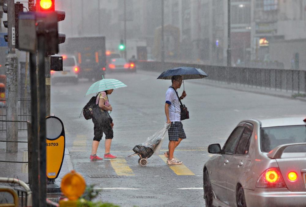https://www.thestandard.com.hk/breaking-news/section/4/171418/Amber-rainstorm-signal-in-force