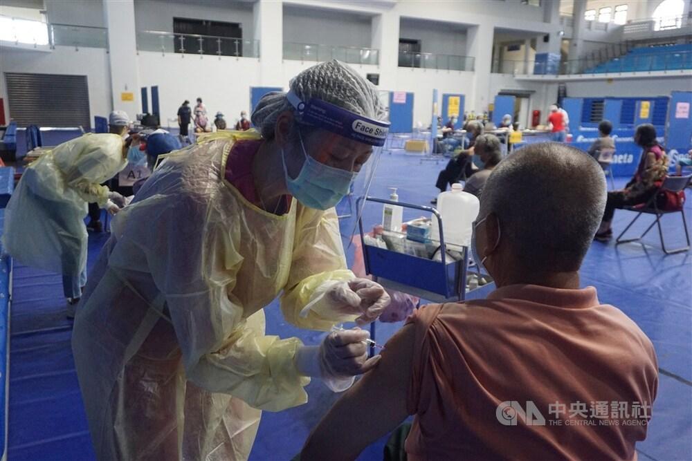 A mass vaccination site in Kinmen.