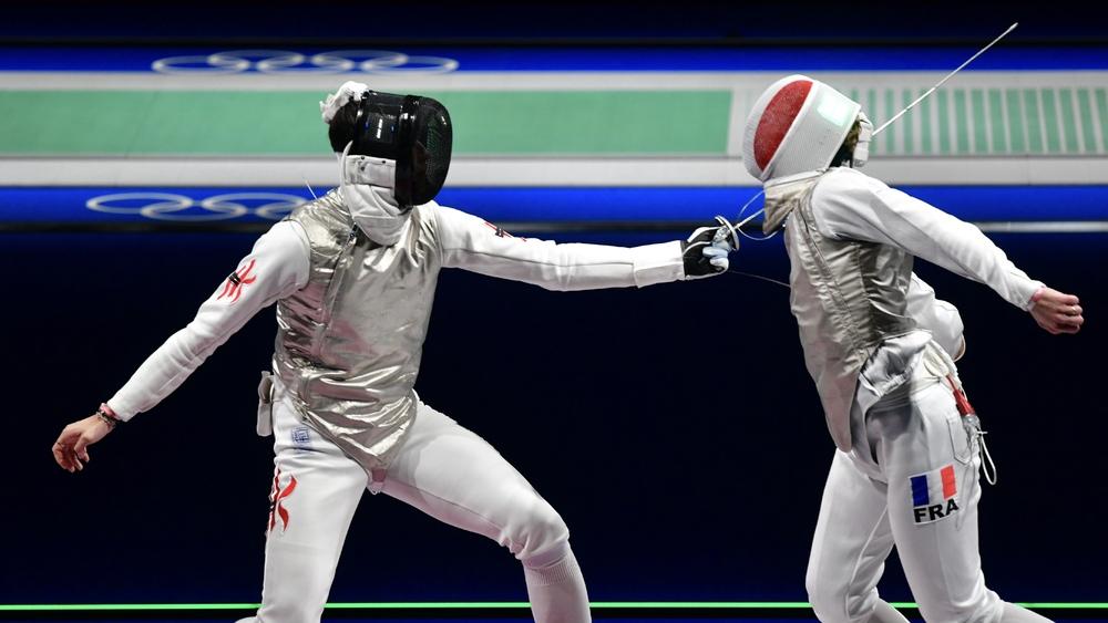 https://www.thestandard.com.hk/breaking-news/section/8/177524/(Tokyo-Olympics)-HK-foil-fencers-Cheung-Ka-long,-Choi-Chun-yin-make-it-to-round-of-16