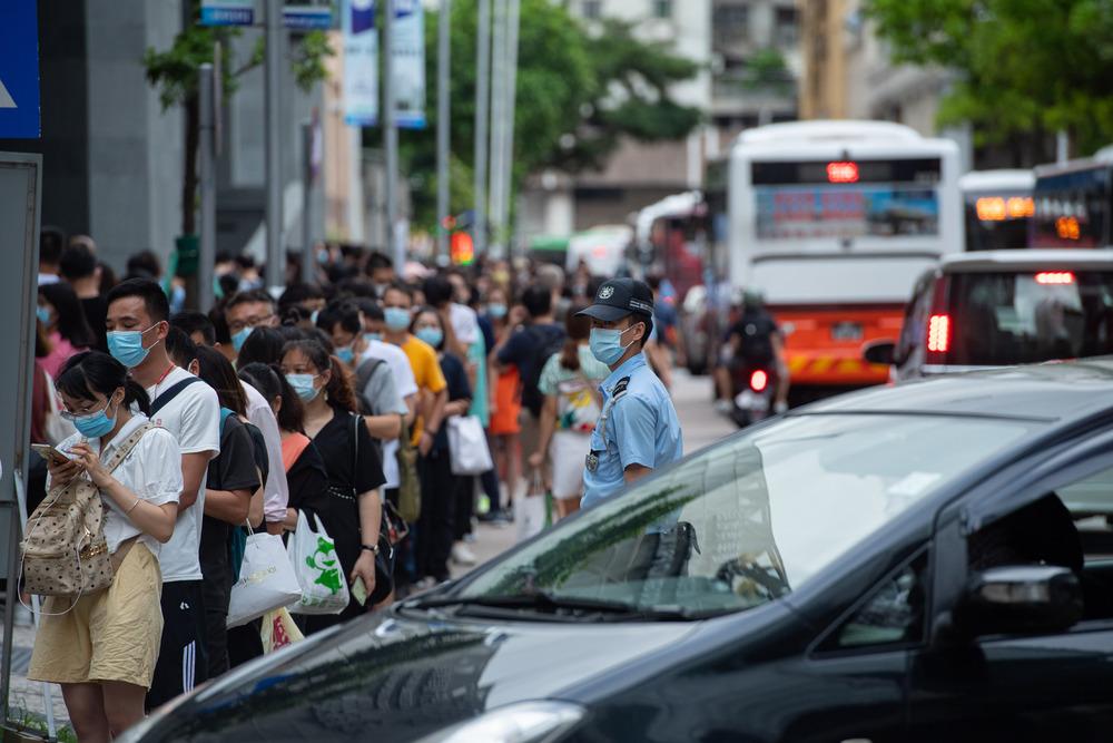 https://www.thestandard.com.hk/breaking-news/section/4/178143/HK-suspends-Macau-from-Return2HK-scheme-following-Delta-variant-cases