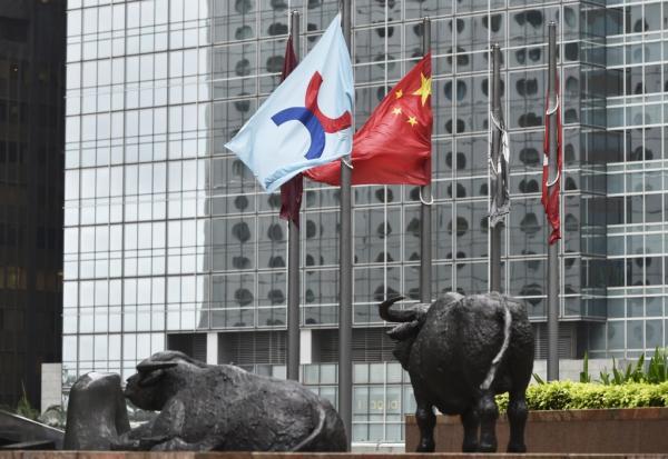 https://www.thestandard.com.hk/breaking-news/section/2/179109/HK,-China-stocks-drop-on-deepening-fears-of-Beijing's-regulations