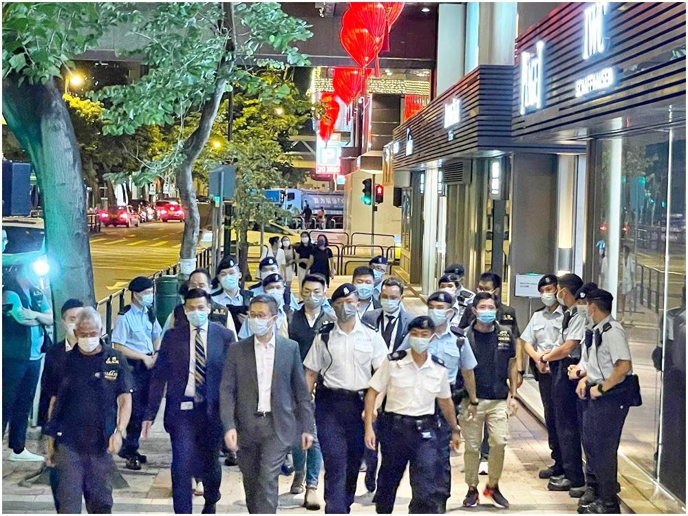 Police Commissioner Raymond Siu Chak-yee appeared in Tsim Sha Tsui last Friday night.