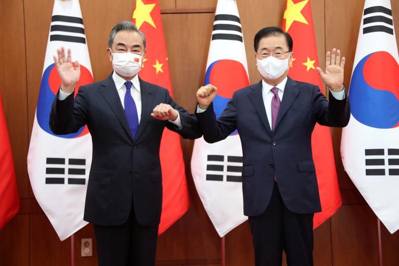 https://www.thestandard.com.hk/breaking-news/section/6/180335/Top-South-Korean,-Chinese-diplomats-meet-amid-North-Korea-tensions