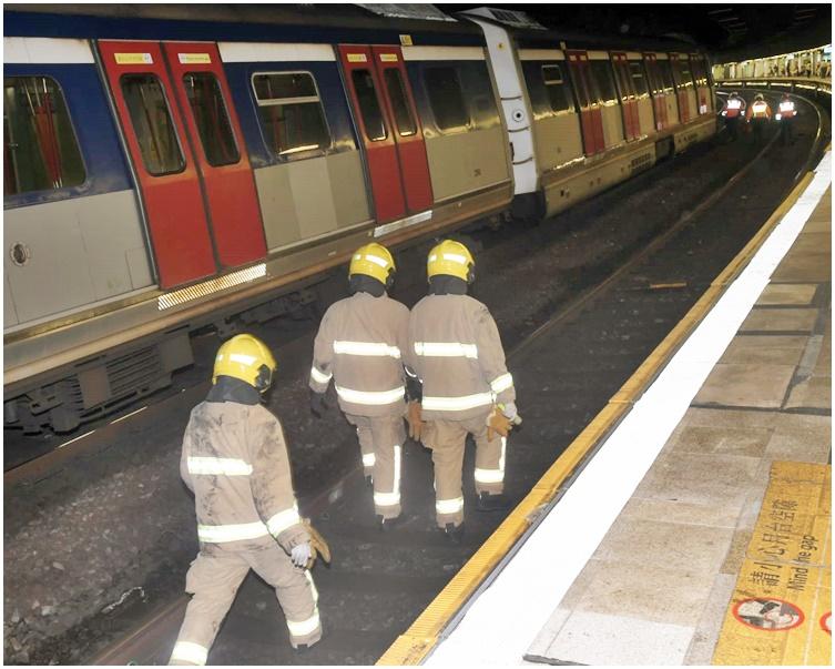 https://www.thestandard.com.hk/breaking-news/section/4/180457/Man-dies-after-falling-onto-tracks-at-Mong-Kok-East-Station