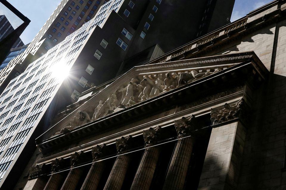 https://www.thestandard.com.hk/breaking-news/section/2/180681/Stocks-surge,-dollar-sags-as-investors-digest-Fed,-Evergrande