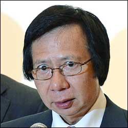 http://www.thestandard.com.hk/section-news/section/11/124388/Kwoks-raise-the-bar
