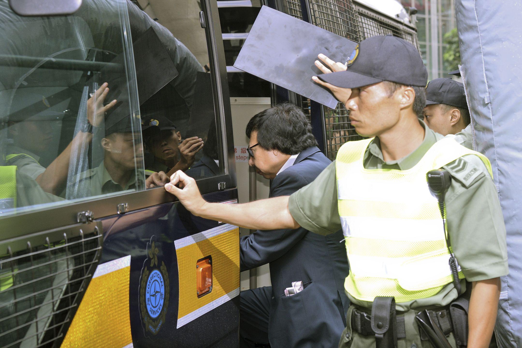 Jury picked for corruption trial of Rafael Hui & Kwok