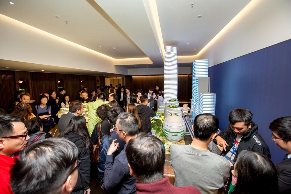 http://www.thestandard.com.hk/section-news/section/2/203084/Keen-demand-for-Grand-Central-flats