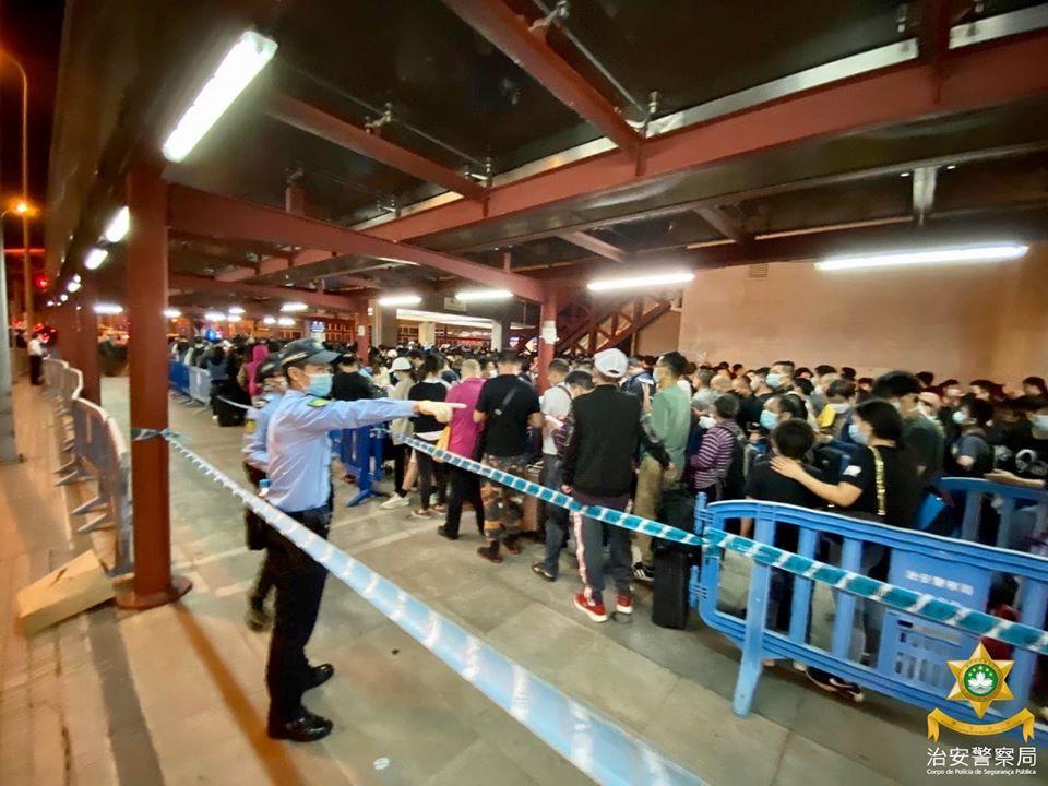 http://www.thestandard.com.hk/section-news/section/4/220881/Macau-toughens-entry-through-health-note