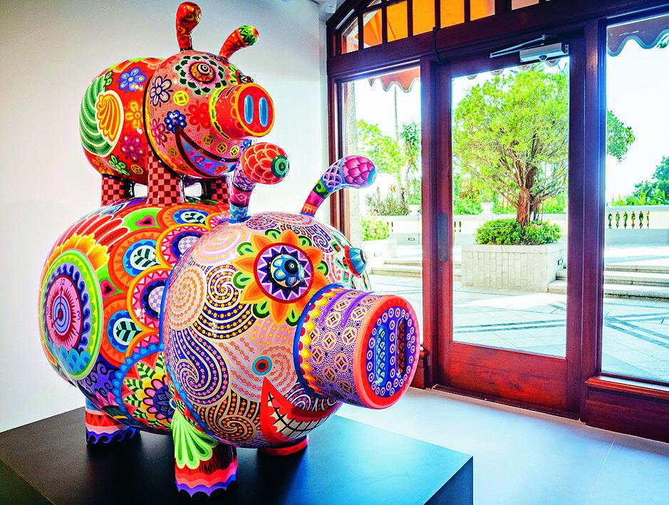 Clockwise from left: A Full House of Pigs; artist Hung Yi; founder Chan Kok-choo; Wealthy Horse; Turn Around; Love Bird (Left) and Love Bird (Right); Good Luck; Panda– Tuan-Tuan (Left) Panda– Yuan-Yuan (Right).