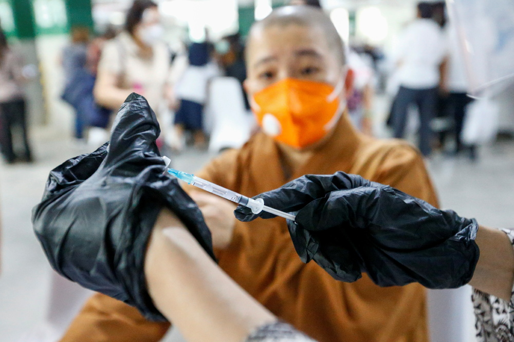 https://www.thestandard.com.hk/section-news/section/2/227891/BioNTech-vaccine-program-back-on-track