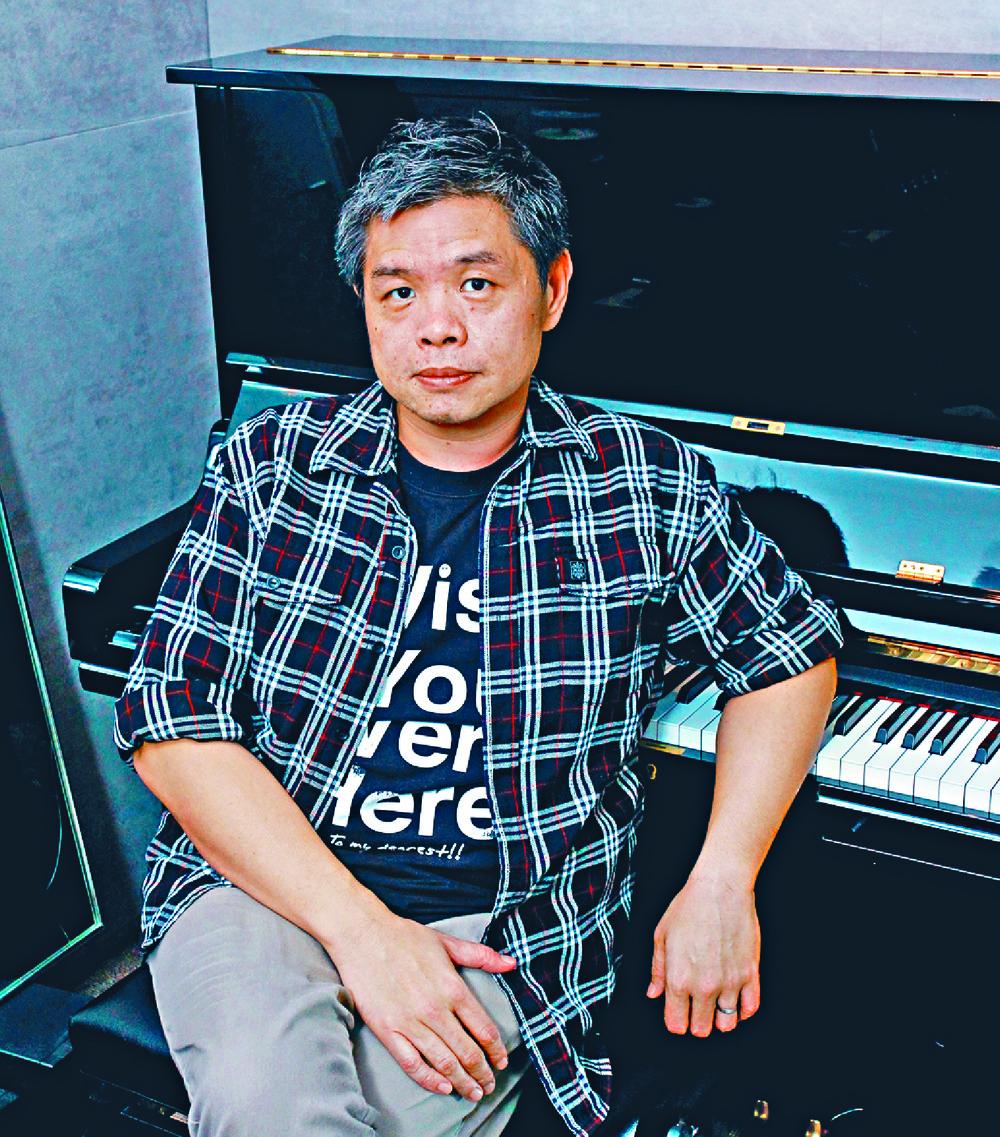 https://www.thestandard.com.hk/section-news/section/21/228042/Stars-join-chorus-for-late-rocker