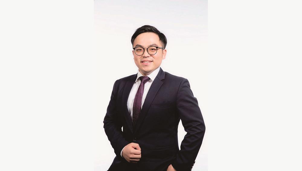 Mr Sam Chan