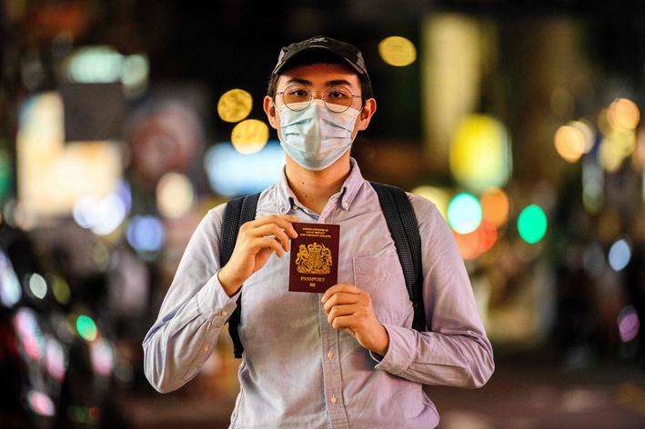 https://www.thestandard.com.hk/section-news/fc/1/233430/Brain-drain-burning-a-%2460b-hole-in-Hong-Kong's-pocket