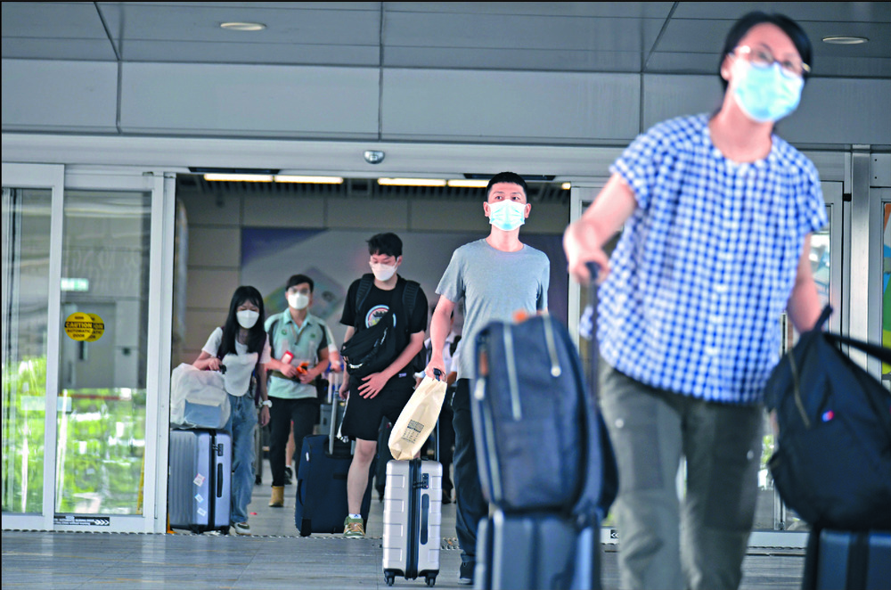 Starting yesterday, mainland travelers can enter the SAR quarantine-free.